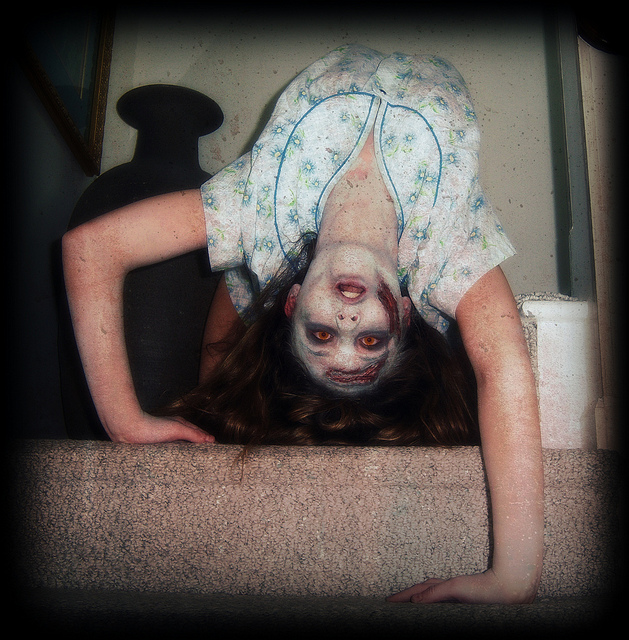 exorcist-regan-halloween-costume-make-up (3)
