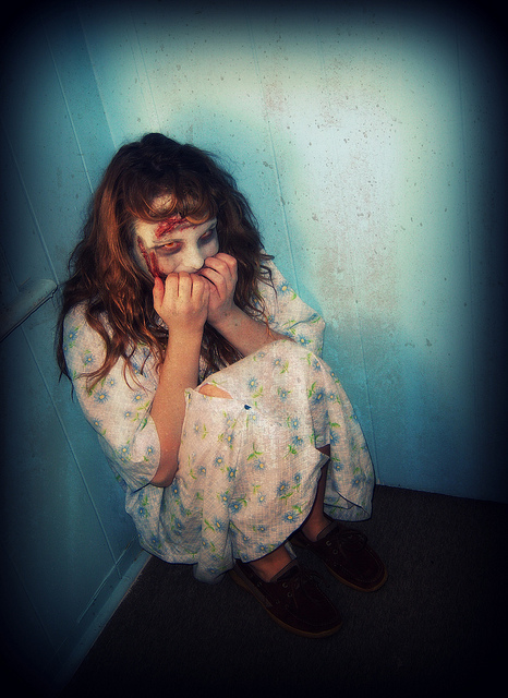 exorcist-regan-halloween-costume-make-up (4)