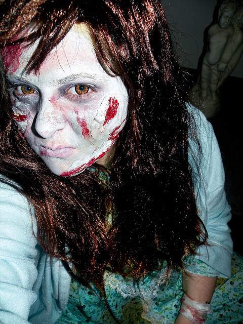 exorcist-regan-halloween-costume-make-up (5)